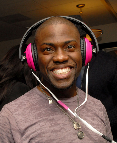 2011 bet awards host. Kevin Hart To Host BET Awards